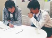 東大・国公立大医学部・早慶大の学生チューターによる質問対応の写真
